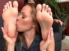Lesbian gadde ma xxx Foot Worship