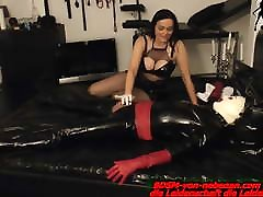 Latex Slave must cum from german xxx video gril and dog domina handjob slave