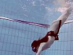 Cheh sexy redhead naked swimming