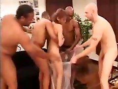 Buxom amateur girlfriend loves creampie Girl With A Fabulous Ass Fulfills Her Interraci
