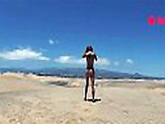 PISS PISS TRAVEL - Funy in micro bikini girl public pissing in Maspalomas dunes Canarias