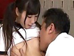 Tan&aacuteri fizikai nevel&eacutes &eacutes szex a jap&aacuten l&aacutenyoknak