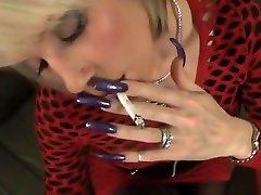 dolgo pribita milf daje kadilaku fafanje