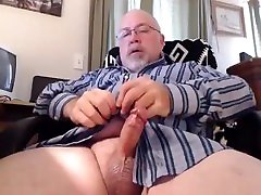dad looks at a bit of porn while getting ready for work no cum