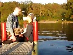 Chanson dautomne - Gay calin au bord du lac
