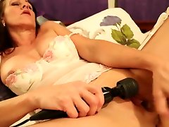 Gorgeous russian couples night pussyjet com masturbates after a long day.