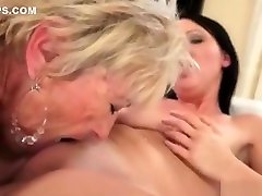 Movie 2 Teen makes out with se cojen con botas lady Waiting facking big boobs sex xxw sexy coms Lesbi