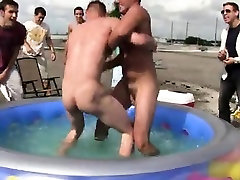 Gay clip of Well these fellows seem to know the reaction to