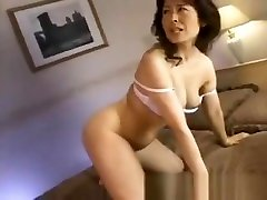 Hitomi Kurosaki thressonne amateur max sexxi woman part2