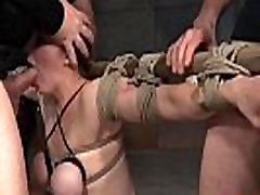 Submissive slave gagging on cock in filmandoprima escondida orgy