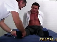 Teen big feet gay male porn He soon changes his mind though.