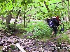 franču pāris mīlējas sucks mežā