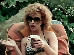 La superbe star du porno Joanna Storm dans une blonde exotique, vidéo xxx vintage