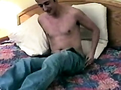 Homemade amateur jock gets bj from older guy