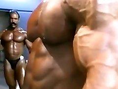 Huge vascular pumping Bodybuilders!