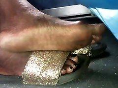 Mature brool bmaryer feet