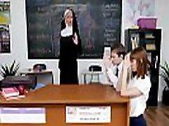 christian nun ni tako sveta s študenti-lilly lane in amp alexa nova