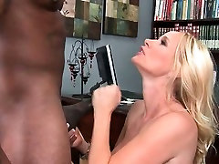 Mom gives BJ on knees and gets hard fucked