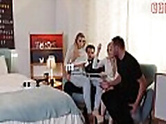VIP anal riber VAULT - Impassioned FFM Threesome With Sicilia And Vyvan Hill