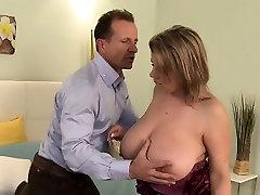Huge boobs matur lady banging in bedroom