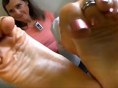 sexy xxx sax mom com hd caught you staring at her feet joi