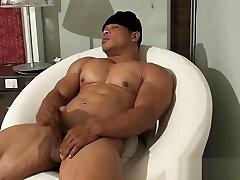 PM thai bodybuilder