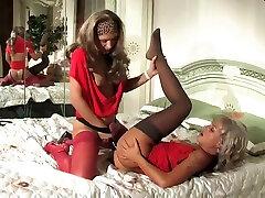 Russian lesbians strapon