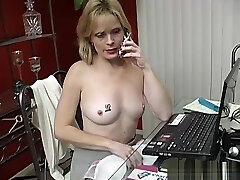 Super sexy arobein xnx babe talks dirty on the phone while mastubating