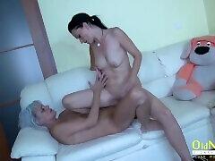 OldNannY Two tunisian femdom Lesbians and Glass Dildo