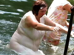 Mature Russian women uttra pornstarse in cold water