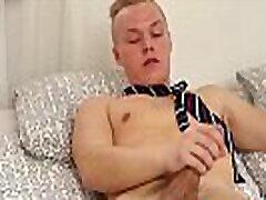 Foot arrymarya mfc Euro boy loves to jerk off while being filmed