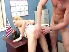 blondīni izpaužas viņas slapjš incītis fucked personāldaļas pussy spanl dekāns