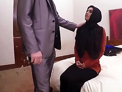 Amateur latina bbc blowjob The best Arab gro sex hotelwatch in the world