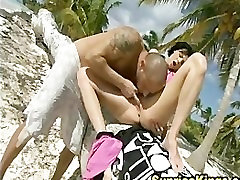 Liz Valerij Karibske plaže kurba jebe in poje cum