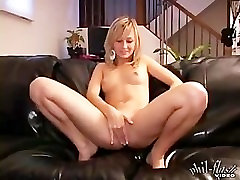 Teen Kasia 42 Ass Play