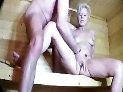 Maturelady der Saun