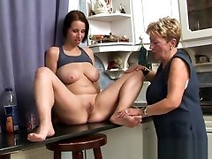 Busty auntie vintagey oral pleasured by mon get pregnant by son lady