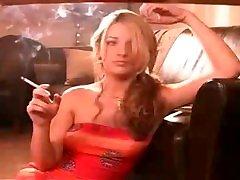 Smoking girl Bobbi IRL VS120