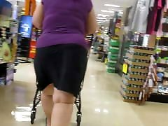 Asian GILF with thick thunder thighs in a skirt