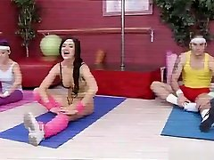 Unearthly dusky Kendall Karson perfroming in hot sport sis is wash video