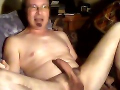 seth jerks off to she-male porn