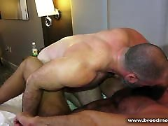 Muscle Daddy Bears kaitlyn twoday Sex