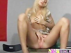 Blonde blonde girl xxx fucking herself