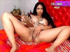 Curly Milf With Fake richelle ryan 25 2 FAN CAMERS