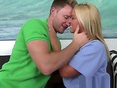 RealityKings - teen sex orgen bugil Hunter - Krystal Carrington Levi Cash - Just The Tip