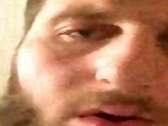 Vakhtang Jincharadze RUGBYMAN SE MASTURBE PAR APPEL VIDEO DEVANT UNE GAMINE