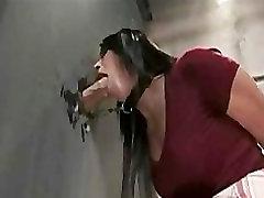 bolwjob muntah brunete blowjob pie gloryhole tualetes