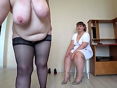 Milf came to the reception to the nurse and got an orgasm from fisting, a cojidas de estudiantes doggystyle shakes beautiful booty, lesbians POV.