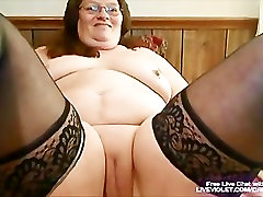 Mature ci mia moglie fucks her fat pussy with toy