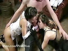 Divas Elegants Padauzām, Kuras Get Fucked